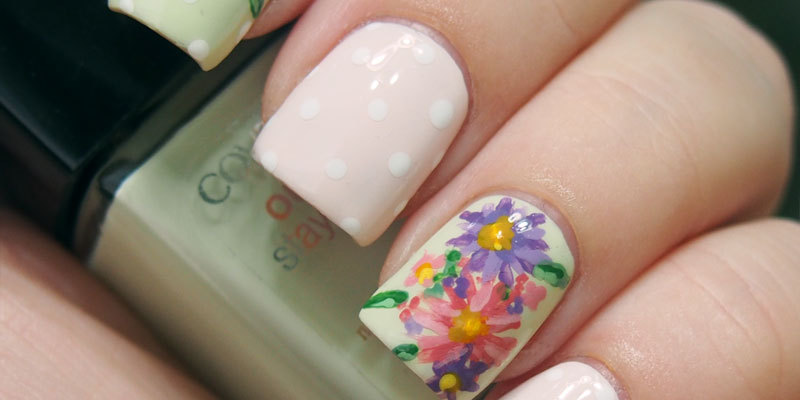 #nailartsep Day 22: Asters - indoor lighting
