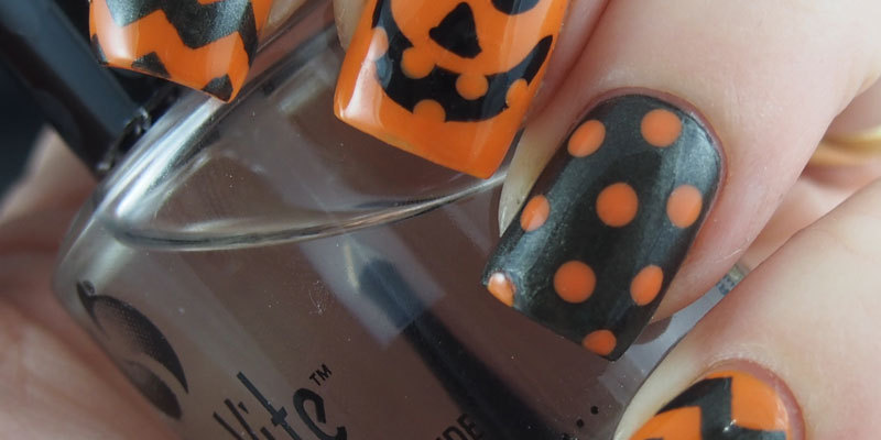 Black and Orange Halloween Manicure