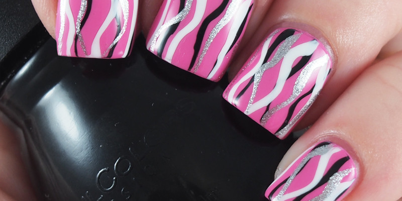 Easy Squiggle Waterfall Nails