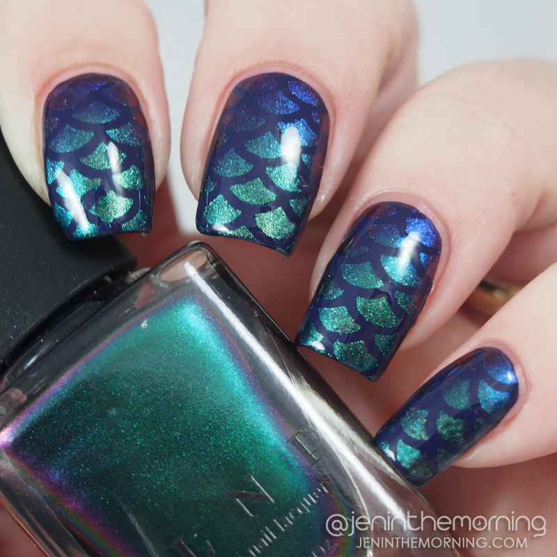 Mermaid scale gradient nails